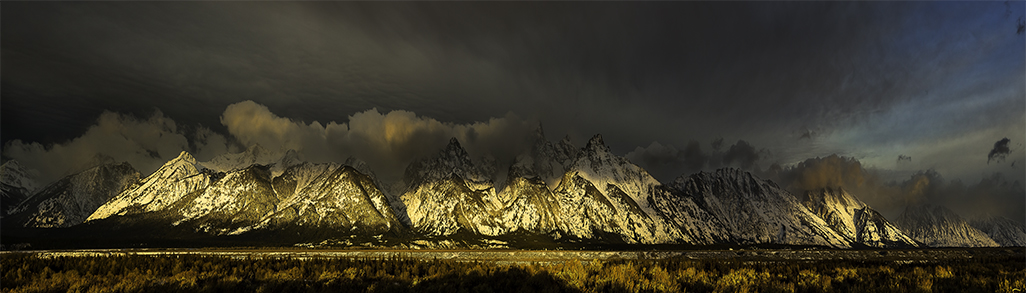 Tetons_sunrise_11-8-13_Panorama_nosiereduce1.8.2_1024px